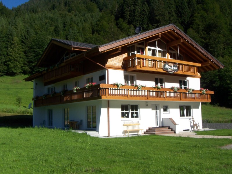 Ferienhaus Charivaris Alpenlodge in Obermaiselstein